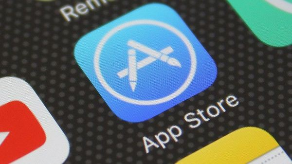 Iphone apps privacy leak: Dozens of Apps 'constantly' sending location data!